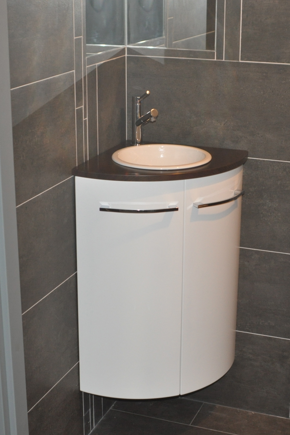 Lave main leroy merlin meuble maison design for Meuble lave main d angle wc